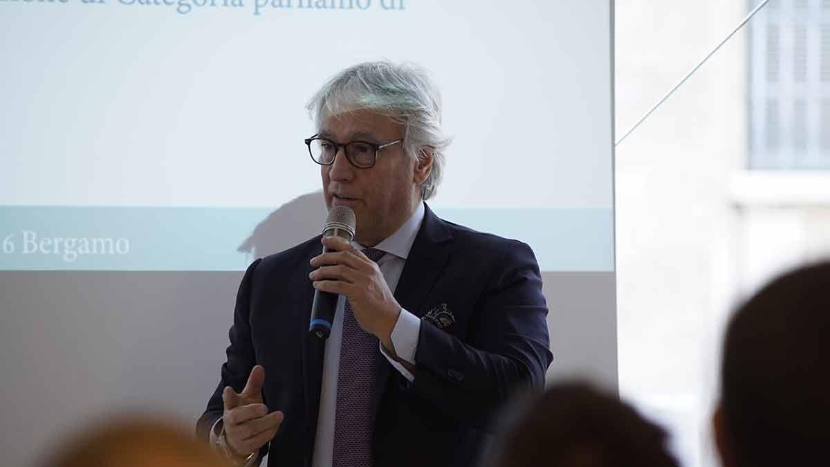 Dr Roberto Nardella